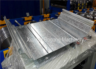 Screwless / Klip / Clip Lock Roofing Sheet Roll Forming Machine 12-15m / Min Speed